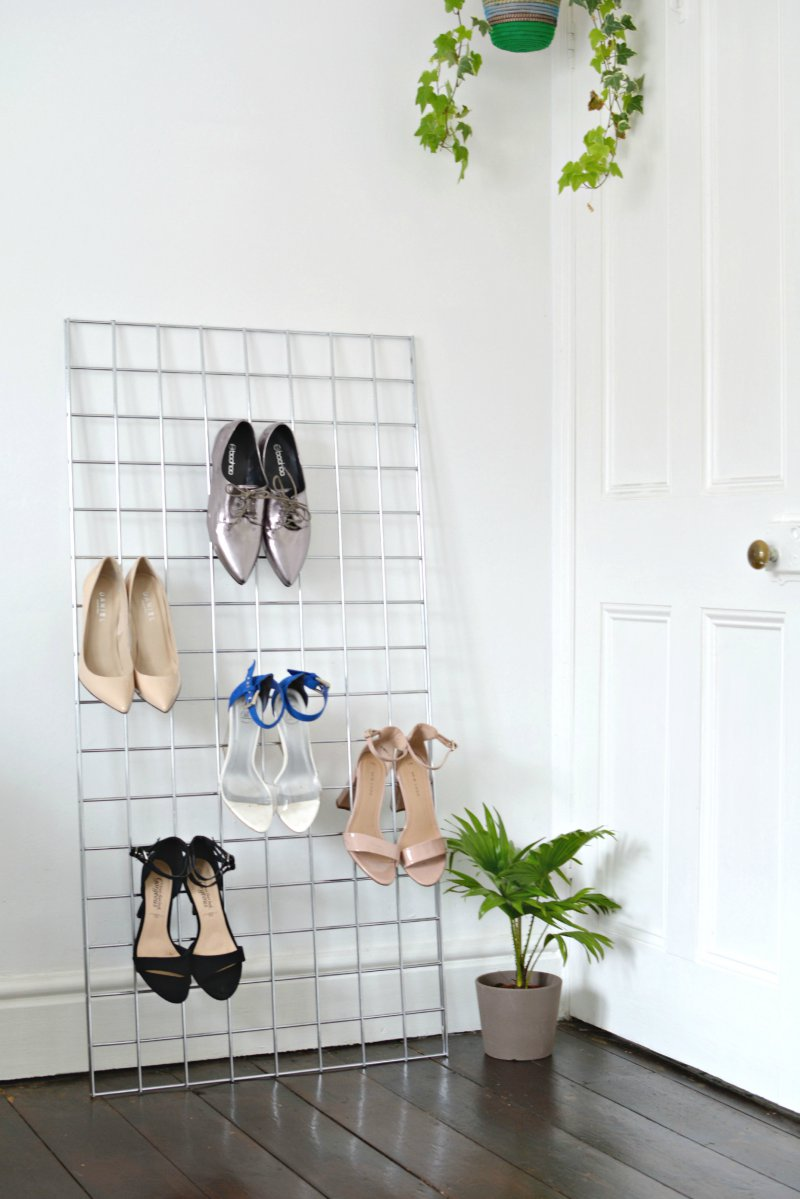 Organized closets // how to organize your shoes // shoe storage ideas // extra storage // DIY bedroom decor // small space storage solutions // grid shoe rack // www.SimplySpaced.com