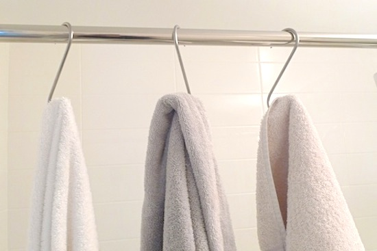 S-Hooks for Bath Towels // 14 ways to Organize with S-Hooks // simplyspaced.com
