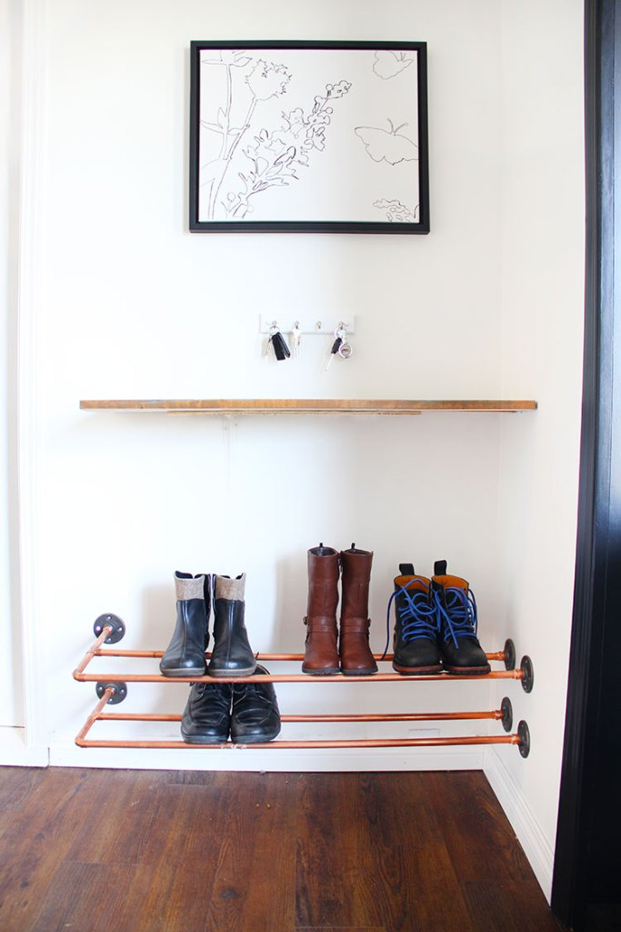 Boot storage // Entryway organizing ideas // Shoe organizing and storage ideas // organized home // storage solutions // closet organizing // DIY copper shoe rack // inexpensive storage solutions // www.SimplySpaced.com
