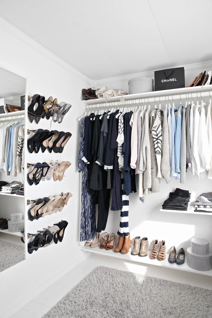How to Organize your shoes // shoe storage ideas // DIY towel racks for hanging shoes on the wall // www.simplyspaced.com